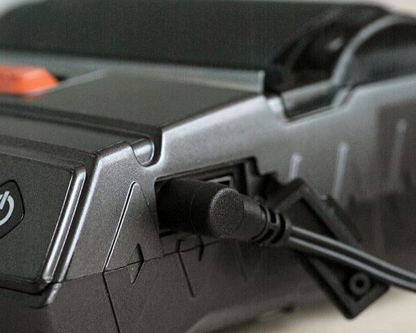 Impressora Zicox XT4131A - Conectores laterais protegidos