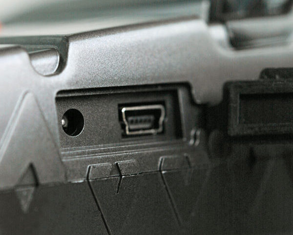 Impressora Zicox XT4131A - Tampa lateral conectores